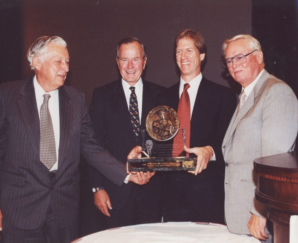 Image of 1998 Hilton Humanitarian Prize winner Doctors Without Borders